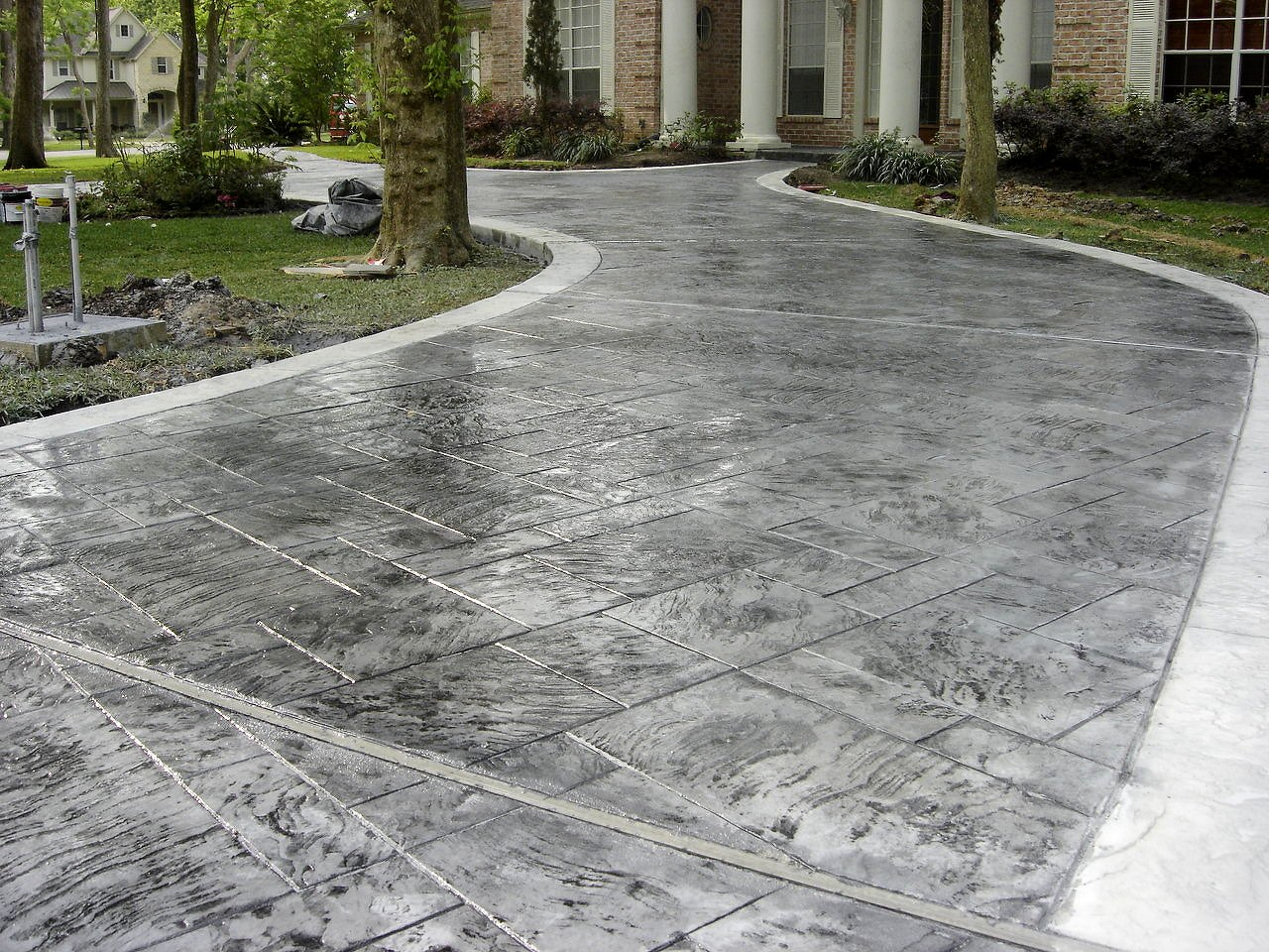 Allied-Siding-and-Windows-Decorative-Concrete-Driveways-Will-Improve-A-Homes-Curb-Appeal